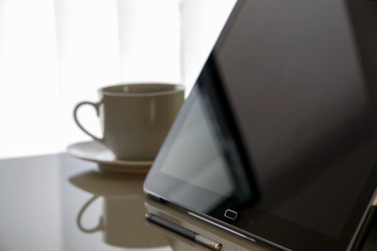 ¿Qué publicidad sale más cara Facebook Ads o Google Ads?